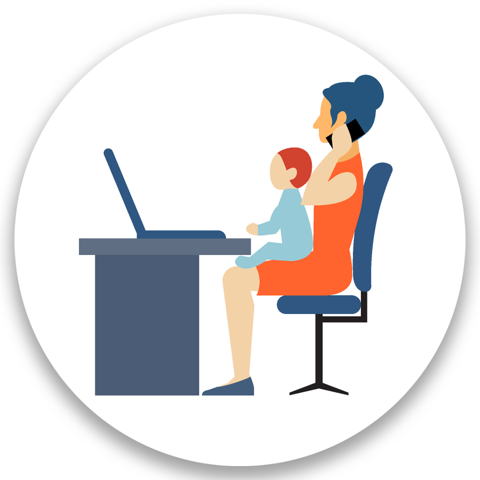 איור: אישה יושבת על כסא משרדי מול שולחן עם מחשב נייד. עליי יושב תינוק ובעזרת היד שלה מחזיקה טלפון קרוב לאוזן שלה כאילו מבצעת שיחה
